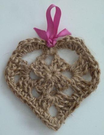 https://hodgepodgecrochet.wordpress.com :: Valentine Roundup :: Keep Calm and Crochet On UK